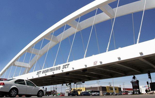 ¡Renovará Gobierno Municipal imagen urbana de puente en la salida a México!