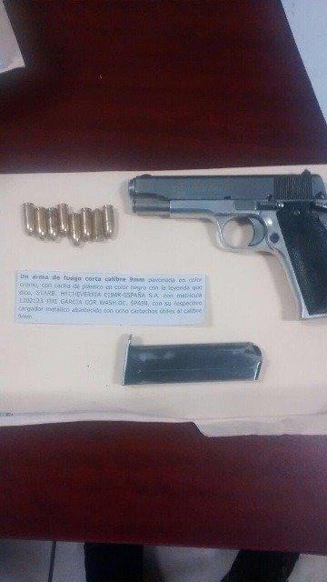 ¡La Policía Estatal Preventiva detuvo en Guadalupe a 2 hombres en posesión de arma y estupefacientes!
