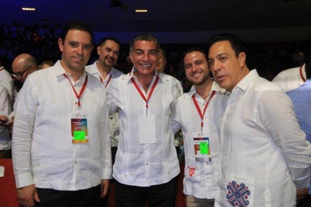 ¡Gobernador Alejandro Tello promociona a Zacatecas en tianguis turístico de Acapulco!