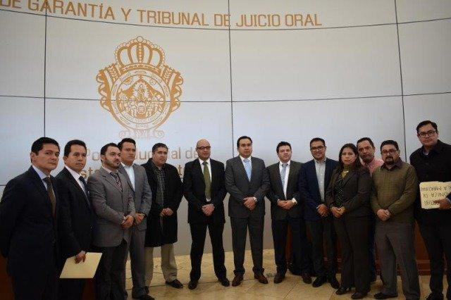 ¡Entrega procurador general de Justicia 100 solicitudes de judicialización al Poder Judicial!