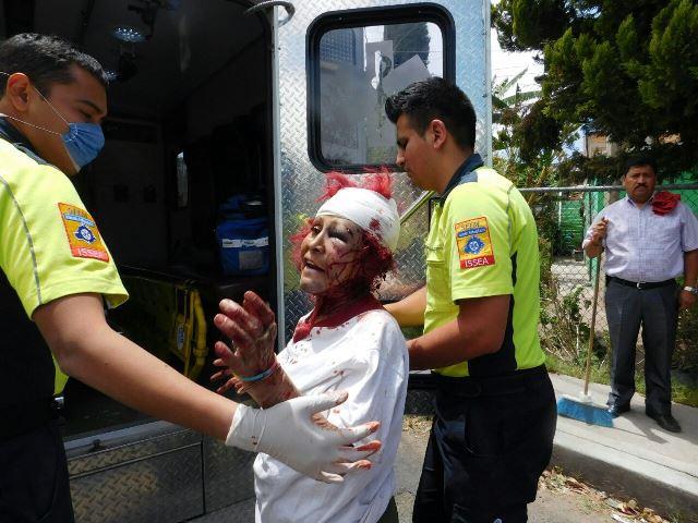 ¡Agoniza una alcoholizada mujer impactada por el tren en Aguascalientes!