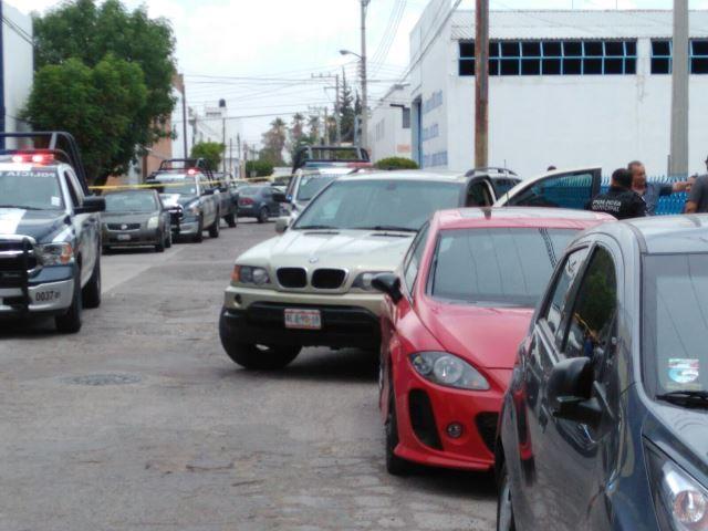 ¡Pistoleros asaltaron a un cuentahabiente y le quitaron $17 mil y su camioneta en Aguascalientes!