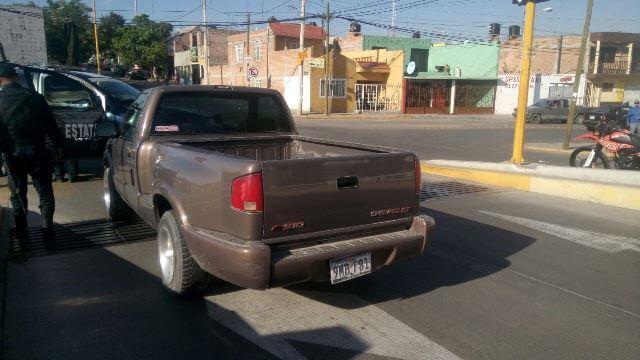¡Policías estatales detuvieron a un robacoches tras una persecución en Aguascalientes!