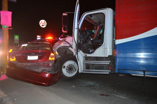 ¡Tras persecución, balazos y accidente detuvieron a ladrón que robó un camión refresquero en Aguascalientes!