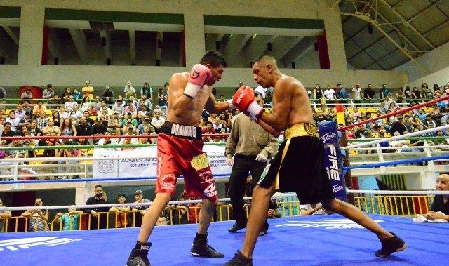 """¡Emanuel """"Veneno"""" Domínguez se corona Campeón en Casa en la Función de Boxeo Profesional FNSM 2017!"""