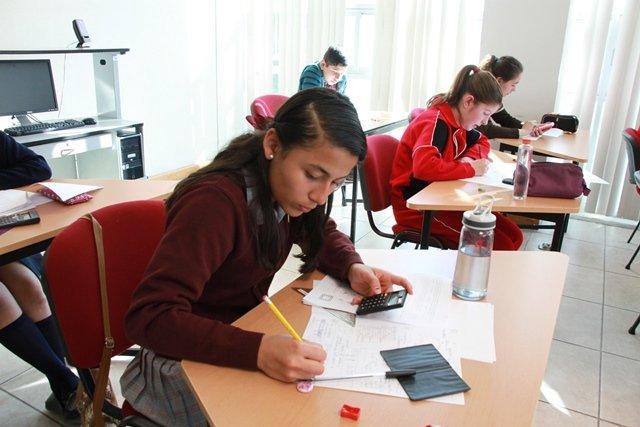 ¡Participan alumnos de primaria y secundaria en XVII Olimpiada Nacional de Matemáticas!