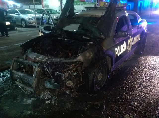 ¡Se incendió una patrulla de la Policía Municipal en Aguascalientes!