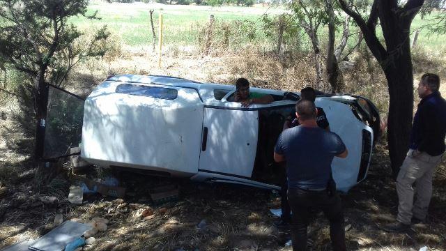 ¡Quinceañero se salvó de morir tras la volcadura de una camioneta en Aguascalientes!