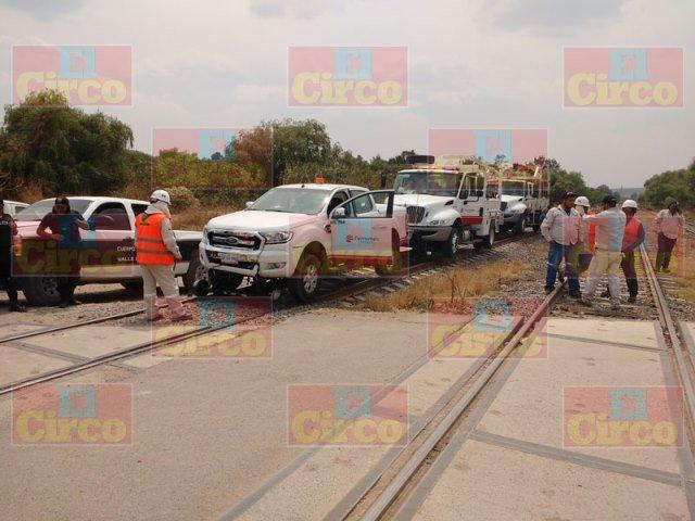 ¡Grave motociclista embestido por una camioneta de FERROMEX en Lagos de Moreno!