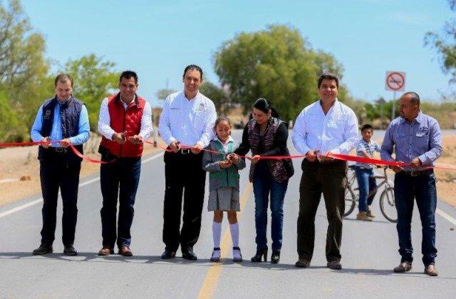¡De gira por Loreto, Alejandro Tello anuncia inversión de 110mdp en carreteras del municipio!