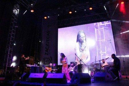 ¡Dedica Concha Buika su concierto de Zacatecas a todos esos muros derribables!