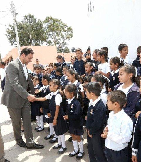 ¡La educación es la solución a los problemas de nuestro país: Alejandro Tello!