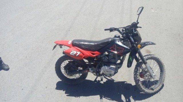 ¡Policía Estatal Preventiva recupera vehículo y motocicleta en Guadalupe y Fresnillo!