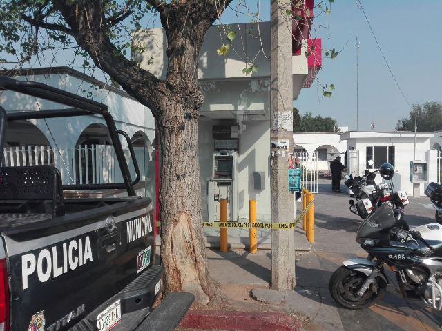 ¡Sujetos intentaron saquear un cajero automático de Banorte en Aguascalientes pero se fueron con las manos vacías!