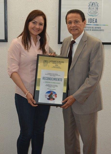 ¡Gobierno del Estado a través del IDEA reconoce a Viridiana Álvarez!
