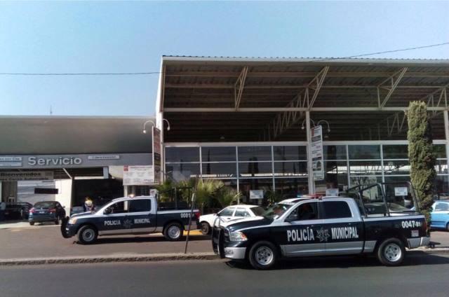 ¡Pistoleros asaltaron a empleado y le robaron $990 mil de una agencia automotriz en Aguascalientes!