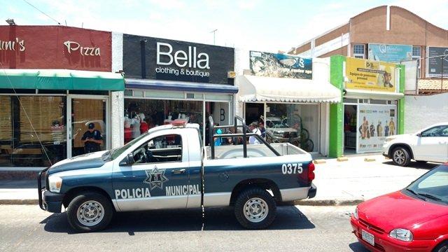 ¡Hombre y mujer asaltaron una boutique en Aguascalientes!