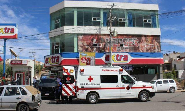 ¡2 delincuentes balearon a un empleado de una tienda Extra en Zacatecas en un intento de asalto!