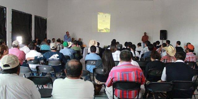 ¡Sistematiza Alcaldía de Pabellón de Arteaga la capacitación a productores del campo!