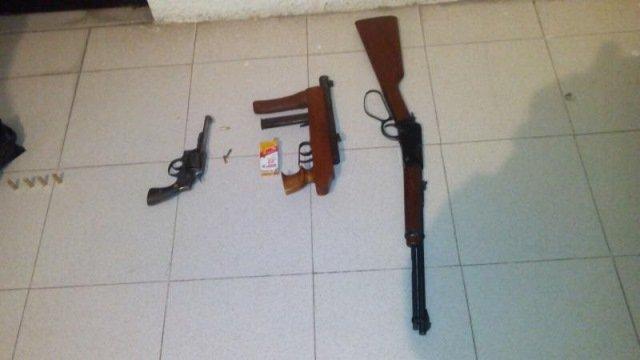 ¡Tras persecución y balacera desde Calera, policías estatales preventivos detuvieron a 5 delincuentes en Fresnillo!