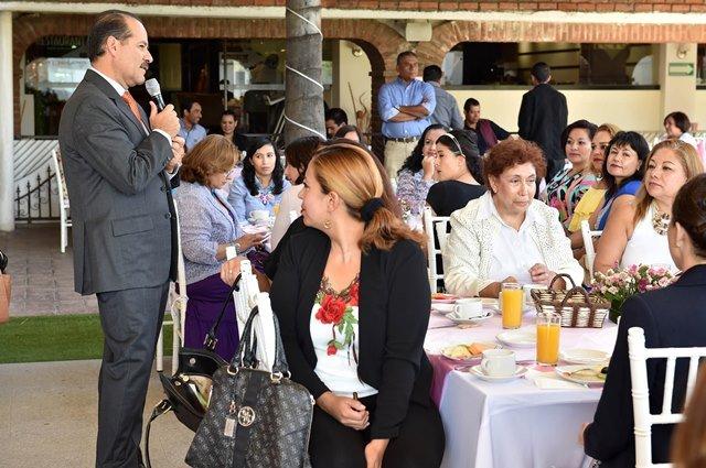 ¡Madres de familia, pilares en la formación de sociedades más sanas y comprometidas!