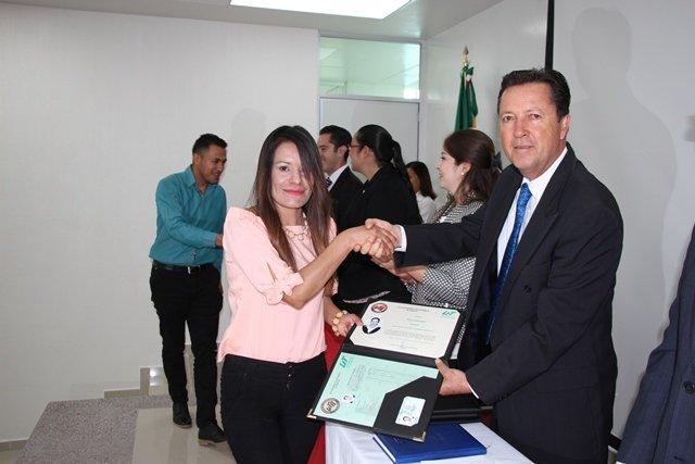¡Egresa en Aguascalientes la primera generación de ingenieros bilingües del país!