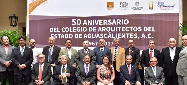 ¡Refrenda alcaldesa Tere Jiménez colaboración con Colegio de Arquitectos a favor del desarrollo de Aguascalientes!