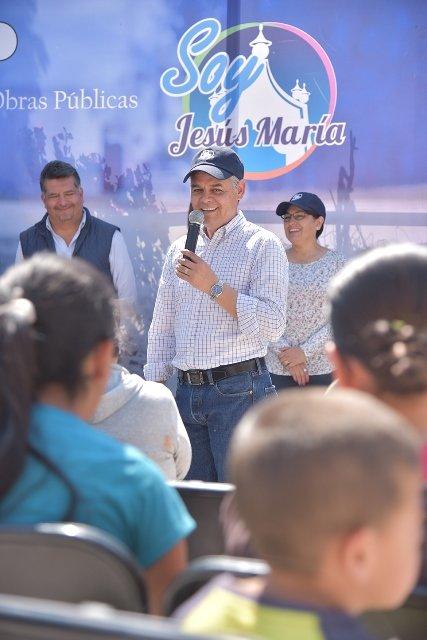 ¡Entregan rehabilitación de calles en El Aurero, Jesús María!