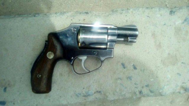 ¡Policías estatales detuvieron en Fresnillo a un hombre en posesión de arma de fuego!