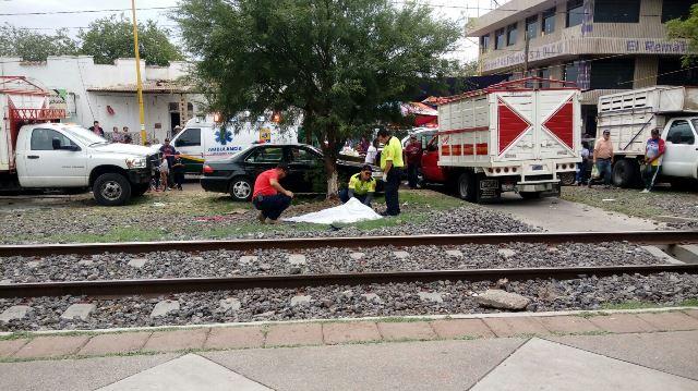 ¡Identifican a la mujer impactada y muerta por el tren en Aguascalientes!