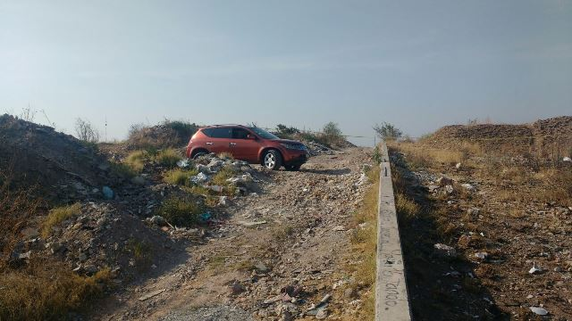 ¡Encuentran abandonado el auto del hombre asesinado y tirado a la presa Natillas en Cosío!