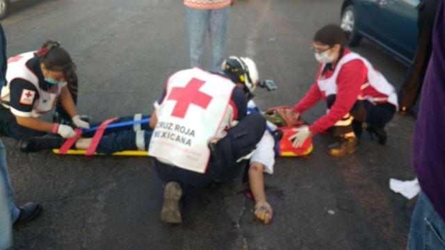 ¡Agoniza empleado municipal tras ser atropellado frente a un panteón en Aguascalientes!