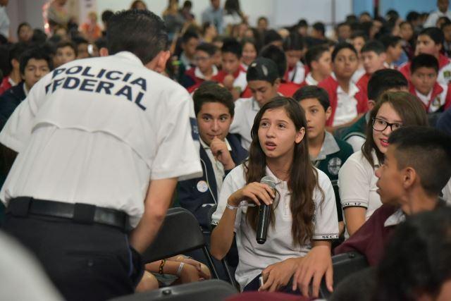 ¡Imparten taller sobre delitos cibernéticos a estudiantes de Jesús María!