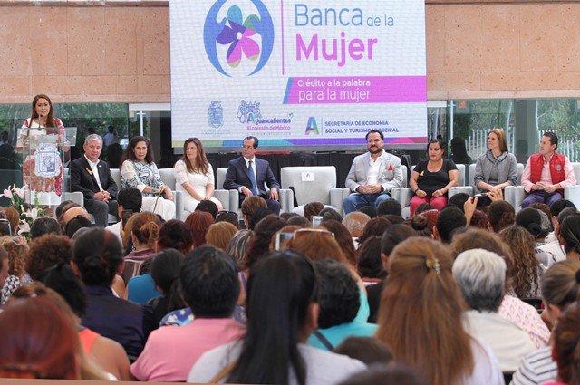 ¡Alcaldesa Tere Jiménez impulsa la competitividad de las mujeres!