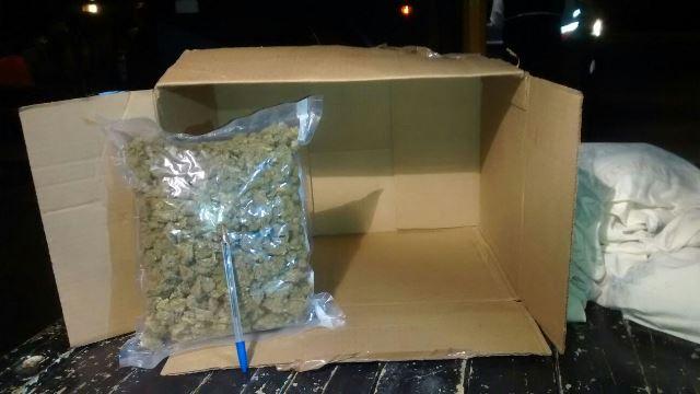 ¡Policías estatales y militares aseguraron casi medio kilo de marihuana en un autobús en Aguascalientes!
