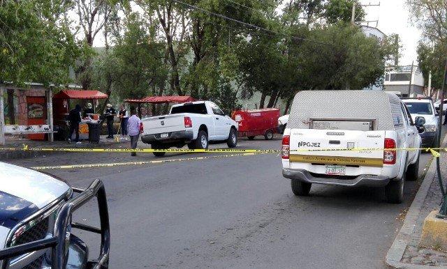 ¡Joven comerciante fue ejecutado a balazos en su puesto de botanas en Zacatecas!