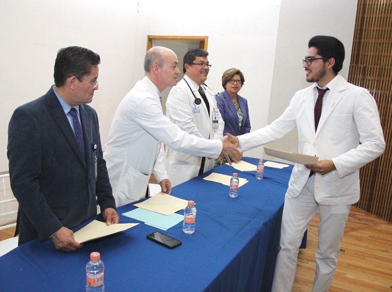 ¡Egresan 29 nuevos médicos de pregrado del Centenario Hospital Miguel Hidalgo!