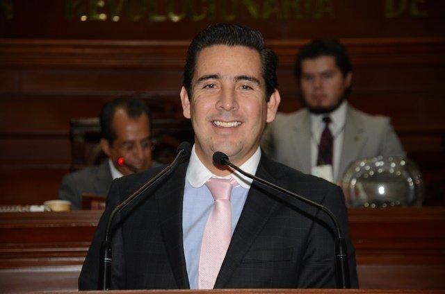 ¡Las normalistas no deben cerrarse al diálogo con el Gobierno del Estado: Gustavo Báez!