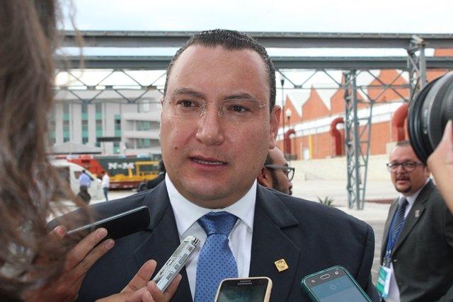 ¡Condena Acción Nacional espionaje contra activistas y periodistas!