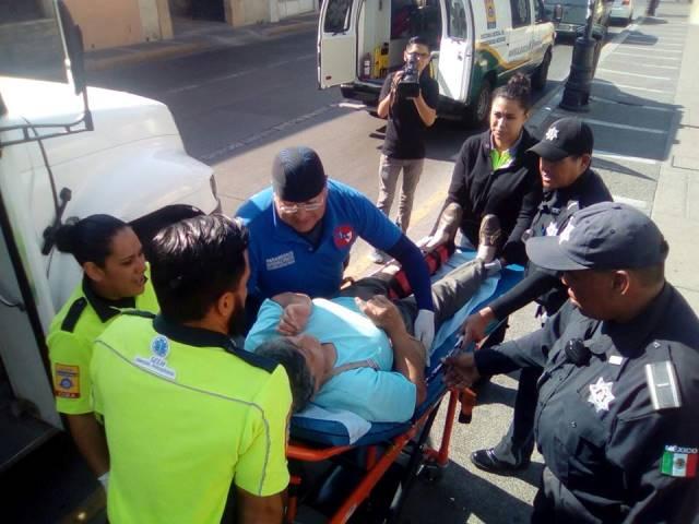 ¡Mujer se fracturó una pierna a bordo de un camión urbano en Aguascalientes!