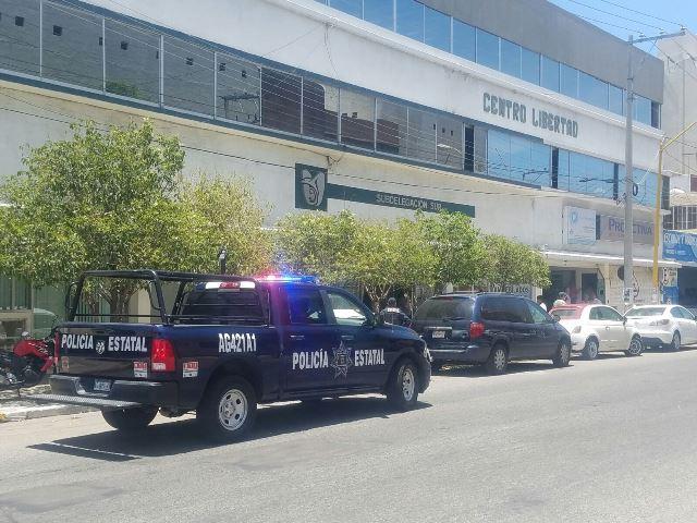 ¡Policías estatales y bomberos apoyaron en simulacro de sismo en el IMSS en Aguascalientes!