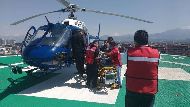 ¡Hombre quemado en un incendio en su casa fue llevado a la Ciudad de México en el helicóptero de la SSPE!