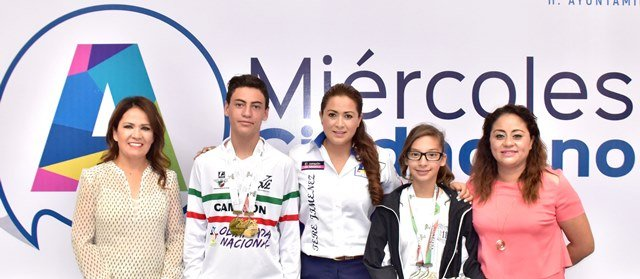 ¡Tere Jiménez reconoció a ciclistas hidrocálidos que compitieron en la Olimpiada Nacional!