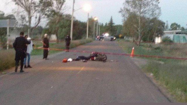 """¡Vehículo """"fantasma"""" impacta y mata a joven motociclista en Aguascalientes!"""