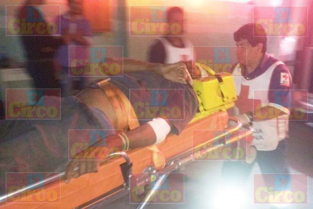 """¡Hombre lesionado atropellado por un auto """"fantasma"""" en Lagos de Moreno!"""