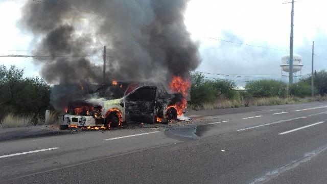 ¡Se incendió camioneta de traslado de valores en Jerez y se quemó dinero!