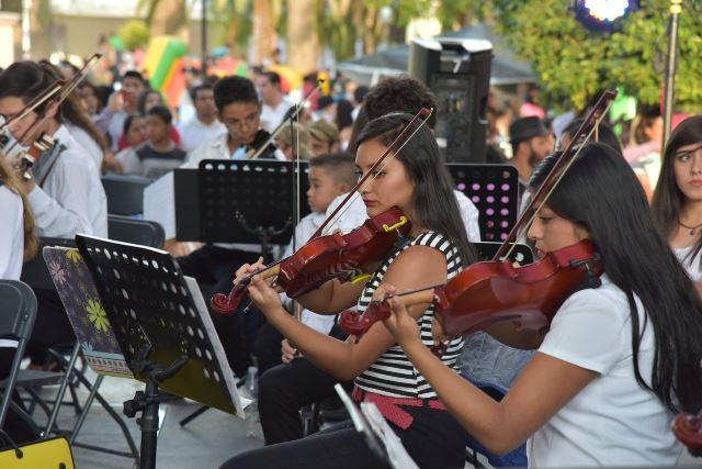 ¡Comparten escenario las dos orquestas infantiles de Jesús María!