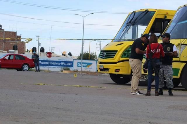 ¡Intentaron ejecutar a padre e hijo en un camión urbano en Guadalupe, Zacatecas!