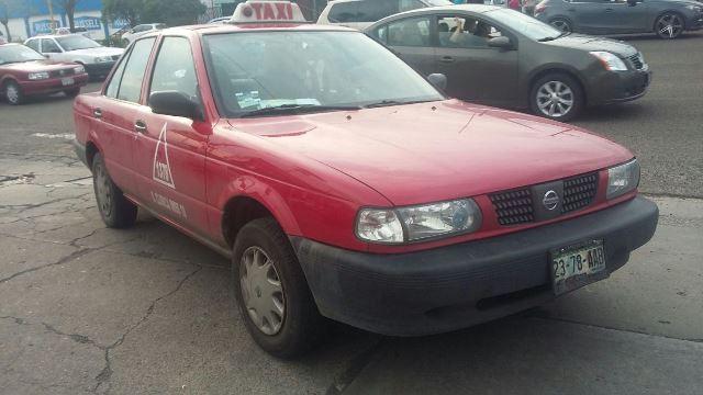 ¡Grave yesero atropellado y aplastado por un taxi en Aguascalientes!