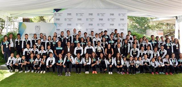 ¡Anuncia gobernador MOS becas para medallistas de Olimpiada Nacional 2017 y 65mdp para infraestructura deportiva!